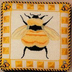 Ridgewood Needlepoint Blog: Fabulous Bee Pillow - I love this!