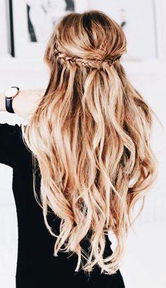 The Best Short Haircut Styles For Women – HerHairdos Haircut Styles For Women, Short Haircut Styles, Cut Her Hair, Hair Cuts, Messy Hairstyles, Pretty Hairstyles, Hair Inspo, Hair Inspiration, Gorgeous Hair