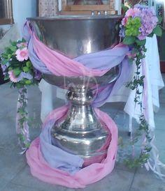 ιδεες για χειροποιητη διακοσμηση βαπτισης - Αναζήτηση Google Baptism Decorations, Christening, Flower Arrangements, Glass Vase, Bloom, Baptisms, Party, Flowers, Wedding