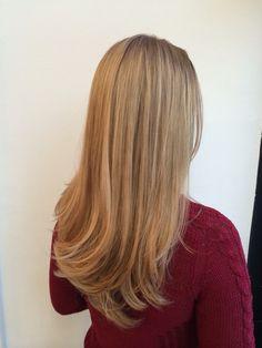 Natural blonde haircolor