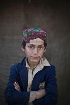 portraits d enfants afghan refugies au pakistan 5   Portraits denfants afghans réfugiés au Pakistan   refugie portrait photographe photo pak...