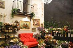 Atelier Papaver – Flower power (by Martin Jusko) Bratislava, Amazing Flowers, Flower Power, Home Decor, Atelier, Decoration Home, Room Decor, Home Interior Design, Home Decoration