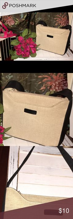 Kenneth Cole Reaction gently used purse Super cute purse that has lipstick stain (see picture) in center pocket but otherwise looks new. Great price for a high end name brand purse that can be dressy or casual ❤️ Kenneth Cole Bags