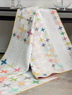 On the lookout for quilts that seamlessly blend traditional beauty and modern flair? Look no further! In her latest book, five-time author Amy Ellis brings the two styles together in fresh, timeless designs. Take a look inside her new book Modern Heritage Quilts.