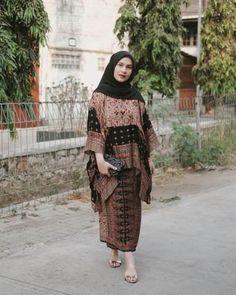 Kebaya Dress, Dress Pesta, Dress Muslim Modern, Hijab Prom Dress, Kebaya Wedding, Hijab Fashion, Fashion Outfits, Cotton Long Dress, Batik Dress