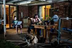 "Photographer Alec Dawson has created a photo project titled ""Nobody Claps Anymore"", a series of portraits of people in their homes, lit and captured in a way that captures the experience of these emotional cancers."