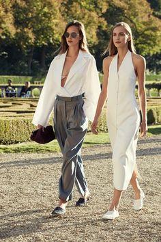 Sfilata The Row Parigi - Collezioni Primavera Estate 2016 - Vogue