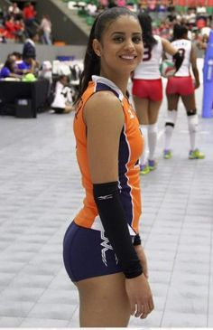 Winifer Maria Fernandez Perez The Dominican Star Who's Rear Assets Made Volleyball Popular! Winifer Fernandez, Female Volleyball Players, Women Volleyball, Beautiful African Women, Korean Girl Fashion, Girls Golf, Volleyball Pictures, Sporty Girls, Athletic Women