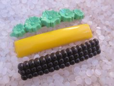 vintage  barrette plastic childs barrettes