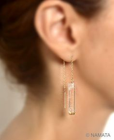 Absolutely stunning pair of clear lucite ear thread earrings. Look at the bubbles in the clear perspex rod dangle ear threads, arent they gorgeous?