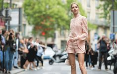 ELLE.com photographer Tyler Joe captures the chicest street style moments from Paris Couture Week, in motion.
