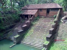 kerala an old Hindu house Kerala Architecture, Vernacular Architecture, Art And Architecture, Ancient Architecture, Kerala India, South India, Kovalam, Mother India, States Of India