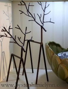 Best Christmas Crafts Ideas......metal look reindeer made using wooden dowels. Love this!