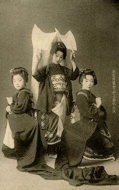 Tokyo Dancers 1900 (by Blue Ruin1)