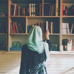 """Our Way Back To Islam"" a wattpad story. Hijabi Girl, Girl Hijab, Hijab Outfit, Muslim Girls, Muslim Women, Abaya Fashion, Muslim Fashion, Girl Pictures, Girl Photos"