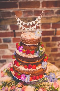 Victoria Sponge Wedding Cake at Highcliffe Castle by Nick Rutter Photography