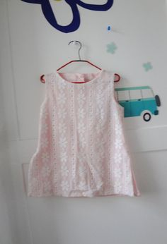 Vintage girls tunic lace blouse sleevless top by Lilacwinevintage