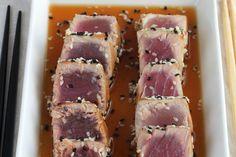 Te explicamos paso a paso, de manera sencilla, la elaboración de la receta de tataki de atún con salsa ponzu casera. Ingredientes, tiempo de elaboración