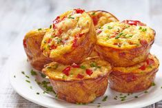 Keto egg muffins recipe with bacon and cheese. You'll fall in love with this keto beakfast recipe once you tried it. It's low in carbs and gluen-Free. Filling and delicious low-carb keto egg muffins for breakfast! Pasta Sable, Keto Egg Muffins, Frittata Muffins, Protein Muffins, Mini Muffins, Brunch Recipes, Breakfast Recipes, Breakfast Options, Dinner Recipes