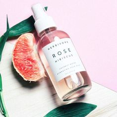 thank you @nicetohavemag for such a cheerful pic on such a gloomy day  #rosehibiscus #facemist #greenbeauty #herbivorebotanicals #naturalbeautyproductsphotography
