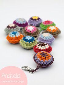 Anabelia craft design: Colgantes para bolsos