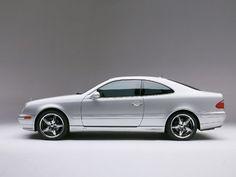 Por suerte, Kate me ha dejado su Mercedes CLK.