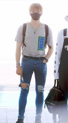 Daniel K, Fashion Idol, Kim Jaehwan, Airport Style, Airport Fashion, Ulzzang Boy, Kpop Boy, Asian Men, Korean Singer