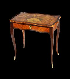 Table à plateau coulissant, vers 1765  Estampille de Louis Moreau