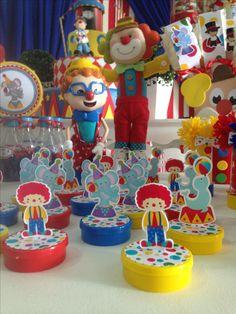 Latinhas circo