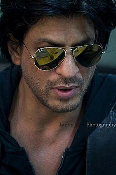 Shahrukh Khan The G.one (Super Hero) UpdatesDaily Bollywood Stars, Bollywood Photos, Bollywood Celebrities, Shahrukh Khan And Kajol, Salman Khan, Shah Rukh Khan Quotes, Srk Movies, Sr K, Actors Images