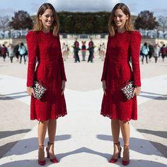 #stealthelook #look #looks #streetstyle #streetchic #moda #fashion #style #estilo #inspiration #clothes #roupas #Vestido #dress #renda #lace #vermelho #red #Valentino #scarpin #onça #clutch #leopard