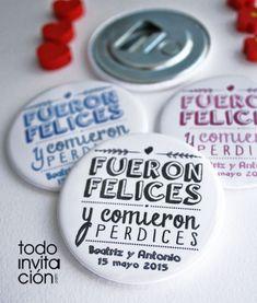 Simpàtico detalle para los invitados. Podeis poner grandes cuencos con diversos detalles para que los invitados se sirvan ellos mismos. www.ideasparatuboda.wix.com/planeatuboda