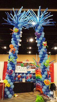 Massive Under the Sea themed balloon columns along with sea creatures for our expo booth | Balloons by Tommy | #balloonsbytommy