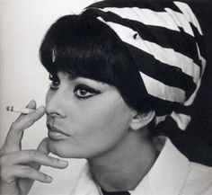 Sophie Loren headscarf - love the big fringe