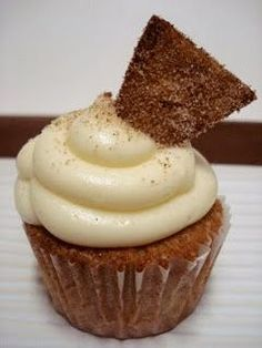 Brown Sugar Cinnamon Cupcakes with White Chocolate Cream Cheese Frosting