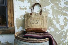 Vintage 1934 (Code no. M-1872) #handbag #fashion #vintage #distressed #reuse #recycle #recycled #green