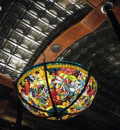 Big Tiffany Lamp 2 by Embracing Entropy, via Flickr