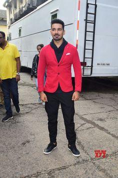 Mumbai: Abhinav Shukla on the sets of 'Comedy Dangal' - Social News XYZ