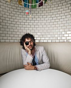 Wayne Coyne is pretty geird (thanking Le-Le for this geird submission) Music Film, My Music, Wayne Coyne, Hands On Face, New York Times Magazine, Psychedelic Rock, Interesting Faces, My Favorite Music, Musical