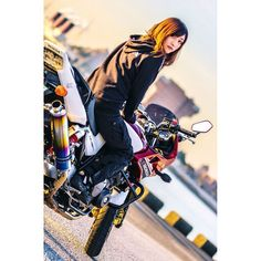 We are fearless, independent and original. - @ndk.s13 - #AsianGirlRider #亞洲女騎 #GirlsWhoRide #GirlsThatRide #MotoGirl #BikerGirl #BikerChick #Honda #HondaCB400 #CB400 #PowerofDreams #HondaJapan #檔車女孩 #女騎士 #重機 #電單車 #女性ライダー #バイク女子 #모터사이클 #여성라이더 #Motosikal #xegắnmáy #motorsiklo #sepedamotor #มอเตอร์ไซค์ #мотоцикл