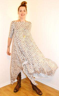Tyrnifarmarit: Viidentoista minuutin Zero Waste mekko Tutoriaali -Tyrnifarmarit : A fifteen minute Zero Waste Dress Tutorial
