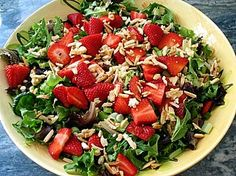http://recipeforme.com/uncategorized/baby-greens-with-strawberries-and-sugared-almonds/  Ingredients:  ALMONDS:  3 Tablespoons granulated white sugar  1/2 cup almonds, slivered