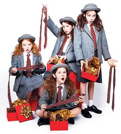 Oona Laurence, Bailey Ryon, Sophia Gennusa, Milly Shapiro. All so cute! I love these Matilda's....so special!!!!!!