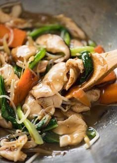 A great classic Chinese Chicken Stir Fry, also known as Chicken Chop Suey. Sauce… A great classic Chinese Chicken Stir Fry, also known as Chicken Chop Suey. Very quick and easy! Chinese Cooking Wine, Asian Cooking, Comida China Chop Suey, Chop Suey Recipe Chinese, Easy Chicken Chop Suey Recipe, Asian Recipes, Healthy Recipes, Ethnic Recipes, Oriental Recipes