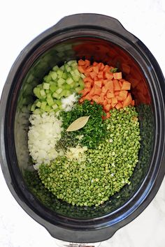 Vegetarian Slow Cooker Split Pea Soup 22 Crock-Pot & Instant Pot Dinners That Are Packed With Veggies Vegetarian Crockpot Recipes, Veggie Recipes, Cooker Recipes, Soup Recipes, Whole Food Recipes, Healthy Recipes, Dinner Recipes, Veggies In Crockpot, Recipes
