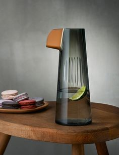 Tomas Kral designs parrot-inspired glassware for Nude Glassware brand Nude has released a set of vases and jugs designed by Tomas Kral Bottle Design, Glass Design, Minimal Design, Modern Design, Design Industrial, Glass Ceramic, Shape Design, Consumer Products, Carafe