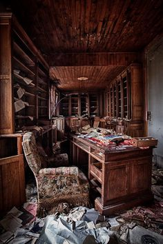 Abandoned room in the Villa Amelie. oh my god, the sheves