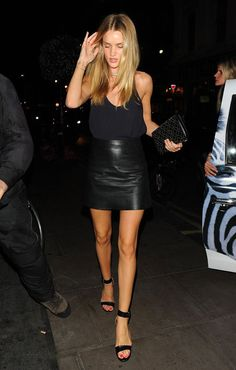 50 Leather Skirt Outfit Ideas For Every Fashionista Night Out Outfit, Night Outfits, Cool Outfits, Night Party Outfit, Black Leather Skirt Outfits, Looks Party, Looks Chic, Rosie Huntington Whiteley, Rosie Whiteley