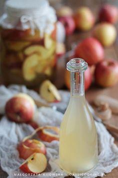 Ocet jabłkowy – przepis i właściwości Fun Drinks, Good Food, Food And Drink, Sweets, Eat, Recipes, Gummi Candy, Candy