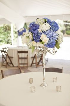 Blue-and-White-Tall-Wedding-Centerpiece